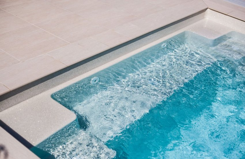 Image for Porcelain Pool Coping